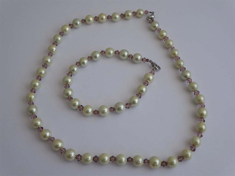 White Magnetic Hematite Set MAG011