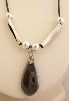 N003 Hemitite Oval Drop