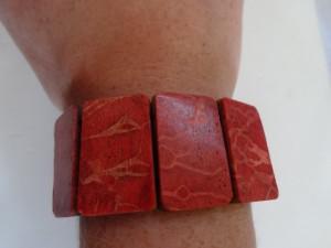 red_coral_stretch_bracelet