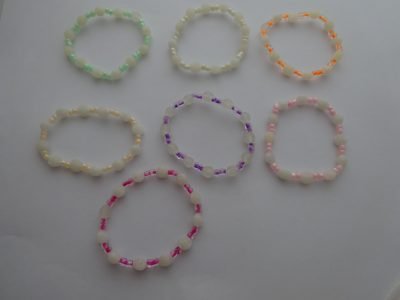 , 7 Girls White Rose Bead Stretch Bracelets – Various Colours – One For Each day Of The Week, Mystic Angels