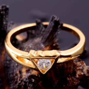 gold_heart_topaz_ring