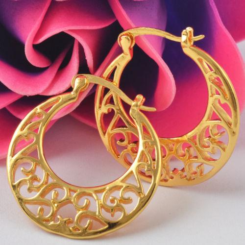 gold_pattern_earrings